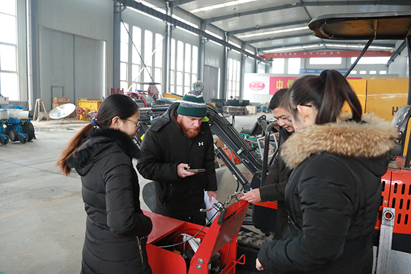 Warmly Welcome Russian Merchants To Visit China Coal Group For Purchase Equipment